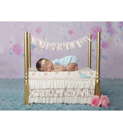 Wooden bed with frills - LISA